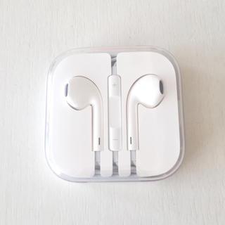 アイフォーン(iPhone)の新品未使用☆iPhone イヤホン(ヘッドフォン/イヤフォン)