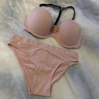 ヴィクトリアズシークレット(Victoria's Secret)のVictoria's Secret 新品タグ付き🏷(ブラ&ショーツセット)