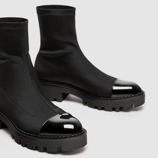 ZARA - 新品☆ZARA ザラ アンクルブーツ 靴