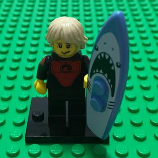 レゴ(Lego)のlego レゴ ミニフィグ シリーズ17 サーファー サメ シャーク ボード(知育玩具)