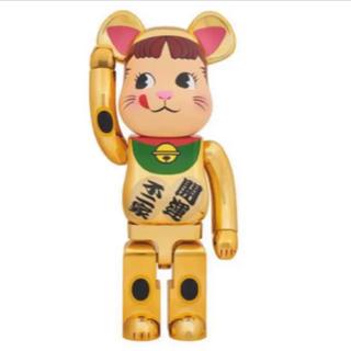 MEDICOM TOY - ベアブリック 招き猫ペコちゃん 金メッキ 1000%