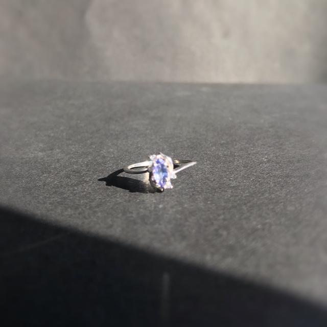 【新品】天然タンザナイト《8号》 レディースのアクセサリー(リング(指輪))の商品写真