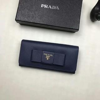 プラダ(PRADA)の人気新品【prada】  女性長財布(長財布)