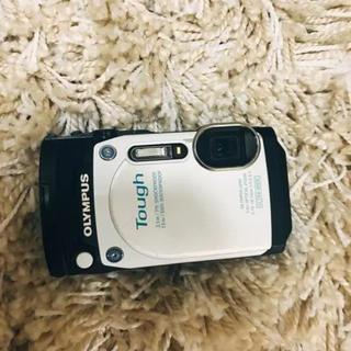 オリンパス(OLYMPUS)のtg870 white(コンパクトデジタルカメラ)