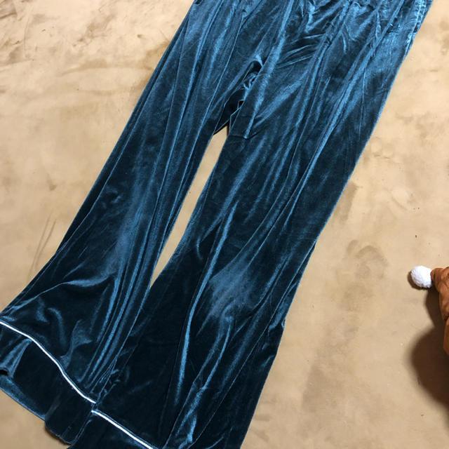 GU(ジーユー)の2点セットGUベロアパジャマXL レディースのルームウェア/パジャマ(パジャマ)の商品写真