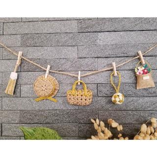マスタード色★ミニチュアかごや帽子のガーランド エコクラフト 壁飾り (インテリア雑貨)