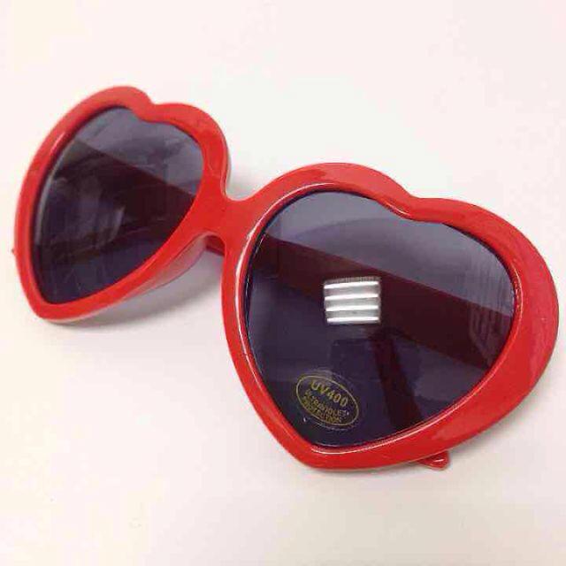新品 ハートサングラス レッド レディースのファッション小物(サングラス/メガネ)の商品写真