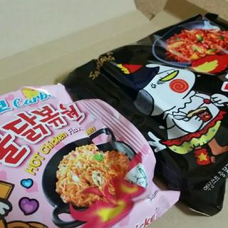 ブルタックポックンミョン!カルボナーラと黒のブルタック炒め麺!2袋‼(インスタント食品)