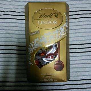リンツ(Lindt)のコストコ購入のリンツリンドールチョコレート4種 アソート(菓子/デザート)