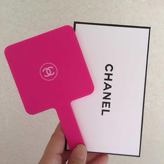 CHANEL - CHANELシャネル ホワイトロゴ 正規品ノベルティー拡大手鏡 ミラー