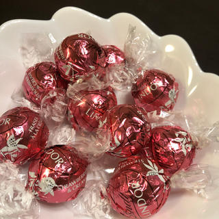 リンツ(Lindt)のリンツ チョコレート チョコレート ストロベリー(菓子/デザート)