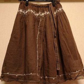 ジエンポリアム(THE EMPORIUM)のTHE EMPORIUM ジエンポリウム 刺繍スカート(ひざ丈スカート)