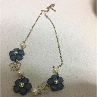 シマムラ(しまむら)のブルーの花のネックレス(ネックレス)