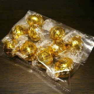 リンツ(Lindt)のLindt チョコレート ホワイト(菓子/デザート)