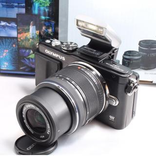 オリンパス(OLYMPUS)の❤️自撮りも簡単❤️オリンパス E-PL5 レンズキット(ミラーレス一眼)