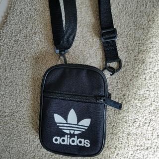 アディダス(adidas)のアディダスポーチ(ウエストポーチ)