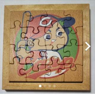 可愛いカープ坊やの木製パズル!118cmの正方形!見本の写真付いかがですか?(その他)