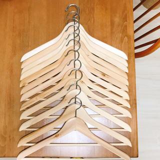 イケア(IKEA)のIKEA 木製ハンガー 12本セット(押し入れ収納/ハンガー)