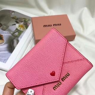 ミュウミュウ(miumiu)の miumiu 折り財布(折り財布)