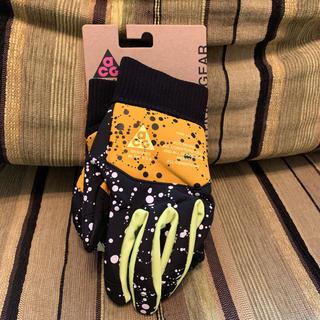 ナイキ(NIKE)のNIKE ACG 手袋 ランニンググローブ Sサイズ 完売サイズ 値下げしました(手袋)