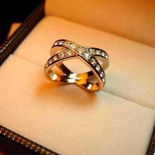 海外セレブ◆Xクロス◆ダイヤモンドリング◆指輪(リング(指輪))