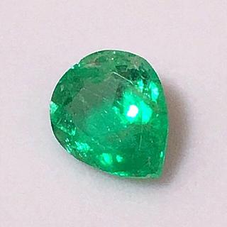 《宝石⚜️ルース》 美品✨良色✳️天然エメラルド  1.181ct 鑑別付。(リング(指輪))