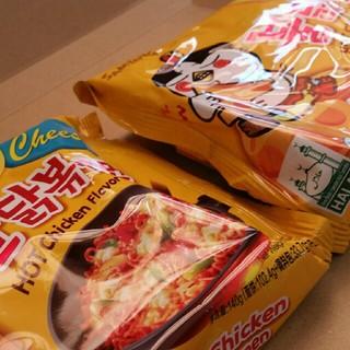 ブルタックポックンミョン!チーズブルタック炒め麺!2袋セット‼(インスタント食品)