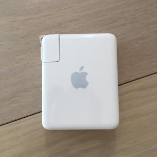マック(Mac (Apple))のAirMac express base station と書いてあります(PC周辺機器)