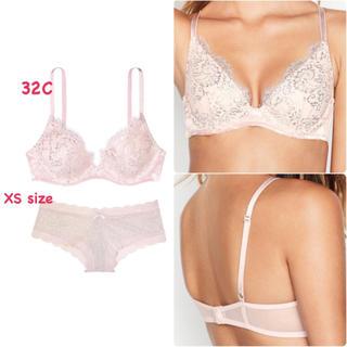 ヴィクトリアズシークレット(Victoria's Secret)の新品 ヴィクトリアシークレット ピンク ラメ ブラ & パンティー 上下 32C(ブラ&ショーツセット)