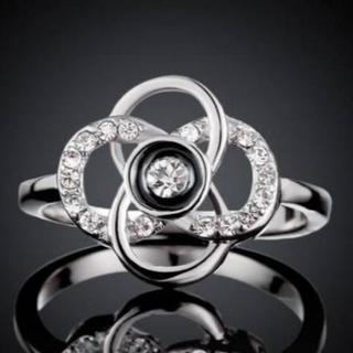 32A/高級感あふれるファッションリング 花 フラワーモチーフ(シルバー)(リング(指輪))