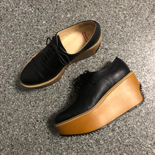 ヴィヴィアンウエストウッド(Vivienne Westwood)のライセンス 厚底シューズ(ローファー/革靴)