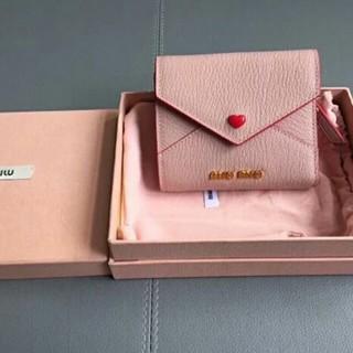 ミュウミュウ(miumiu)のmiumiuラプレターお財布 (財布)