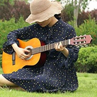 心から落ち着いたサウンドを醸し出すのはやはりクラシック・ギター(クラシックギター)