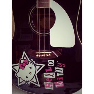 フェンダー(Fender)の【最終値引き】Fenderハローキティ の限定コラボ・アコギ 美品(アコースティックギター)