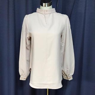 ジーユー(GU)のGU ハイネック ブラウス ピンク 春色 Mサイズ 美品(シャツ/ブラウス(長袖/七分))