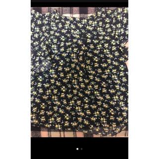 ジーユー(GU)の新品 GU Sサイズ 花柄シャツ(Tシャツ(半袖/袖なし))