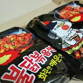 ブルタックポックンミョン!黒のブルタック炒め麺!2袋セット(インスタント食品)
