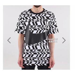 ナイキ(NIKE)の【大人気】ナイキ BIG SWOOSH Tシャツ 海外M/日本L(Tシャツ/カットソー(半袖/袖なし))