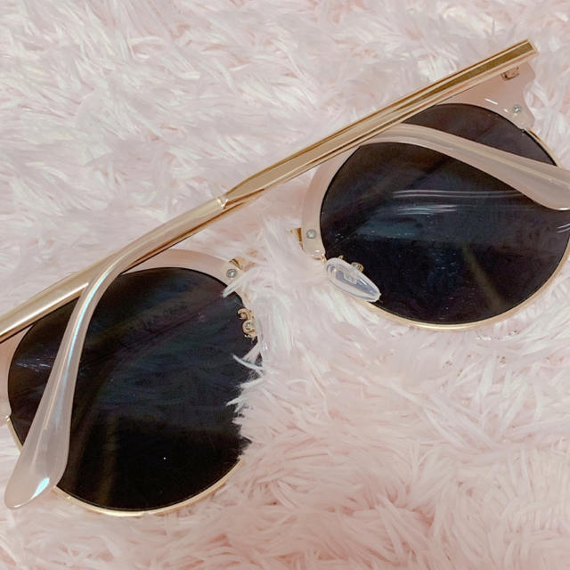 Honey mi Honey(ハニーミーハニー)のピンクフレーム❤︎ミラーサングラス レディースのファッション小物(サングラス/メガネ)の商品写真