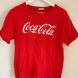 ジーユー(GU)のTシャツ  コカコーラ(Tシャツ(半袖/袖なし))