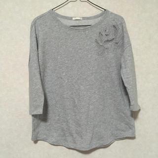 ジーユー(GU)のローズ刺繍カットソー(カットソー(長袖/七分))