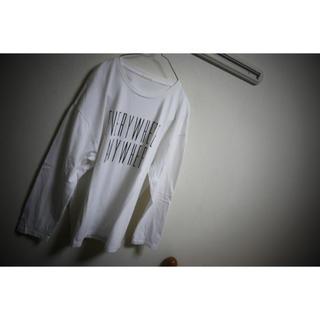 ジーユー(GU)のビッグサイズ 白シャツ(Tシャツ/カットソー(半袖/袖なし))