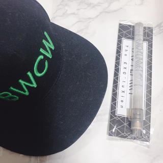 エクソ(EXO)の【超レア】EXO×BWCW 黒キャップ エクソ ペンライトおまけ付き(アイドルグッズ)