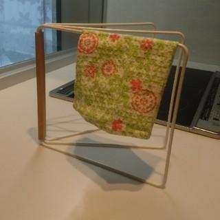 アンディフィーテッド(UNDEFEATED)のtower 布巾かけ(収納/キッチン雑貨)