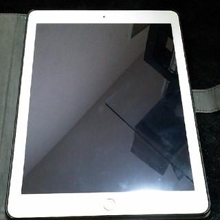 アイパッド(iPad)のiPadAir2 32GB ゴールド 即購入不可(タブレット)