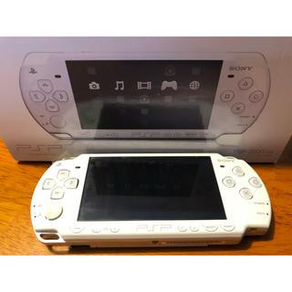 プレイステーションポータブル(PlayStation Portable)のPSP2000「プレイステーション・ポータブル」(携帯用ゲーム本体)