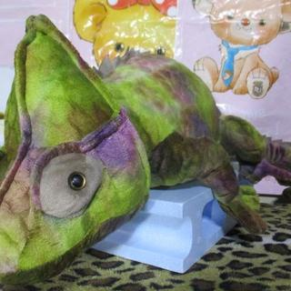 日本未入荷!野生動物リアルぬいぐるみ カメレオン(緑系)70㎝!蜥蜴 トカゲ(ぬいぐるみ)