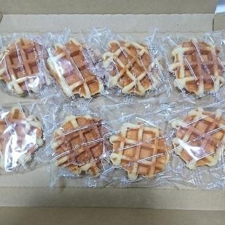 お得‼️九助✴️大判シュガー&バターワッフル(8個)(菓子/デザート)
