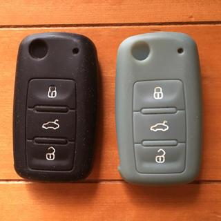 フォルクスワーゲン(Volkswagen)の中古 VW GOLF PLUS 純正キーカバーケース 2個(車外アクセサリ)