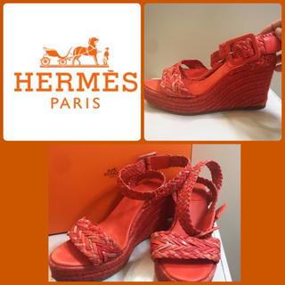 60ea6c91f151 エルメス(Hermes)のエルメス コーラルピンク レザーサンダル(サンダル)